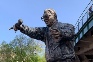 Harry Caray Statue - May 22, 2019